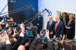 Трамп у Давосі закликав країни ЄС купувати енергопродукти зі США
