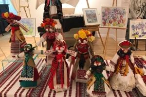 В Українському національному музеї в Чикаго навчали робити історичні обереги українців