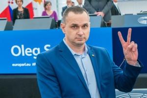 """Дві книги та завершення фільму """"Носоріг"""": Сенцов розповів у Давосі про свої плани"""