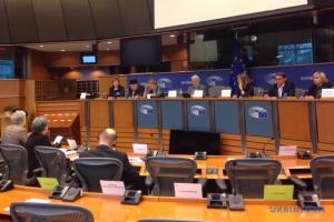 Сущенко розповів депутатам Європарламенту про захоплення Росією українських заручників