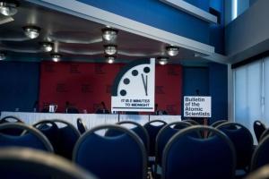 """""""Ядерна північ"""" все ближче: годинник Судного дня перевели на 20 секунд вперед"""