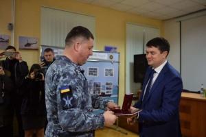 Разумков вручив особовому складу Військово-морського ліцею відзнаки