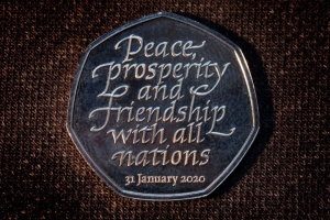 В Британии представили монету, посвященную Brexit