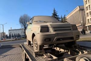 У Запоріжжі показали пластиковий позашляховик українського виробництва