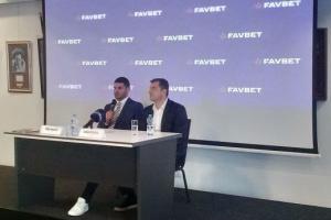 Хргович оцінив перспективи Усика у суперважкому дивізіоні