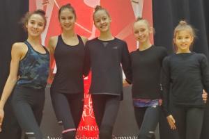 Ucranianas ganan 18 medallas en un torneo de gimnasia rítmica en Los Ángeles