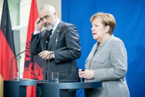 Германия хочет видеть Албанию членом ЕС - Меркель
