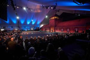 Зеленский принял участие в мероприятиях к 75-летию освобождения концлагеря Аушвиц-Биркенау