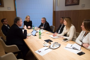 """Порошенко - у Брюсселі: Не можна допустити """"детоксикацію"""" Путіна"""