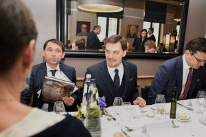 Гончарук у Брюсселі переконував бізнесменів вкладати гроші в Україну