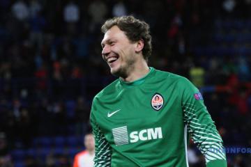 El portero ucraniano Piatov en el Top 10 de los jugadores de fútbol más caros del mundo en la edad 35+