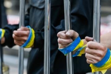 About 100 Ukrainian political prisoners 'celebrate' Christmas in Russian jails