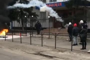 Meurtre à Kakhovka : La ville se révolte contre la police