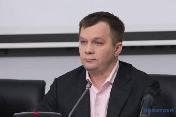 Połowa Ukraińców pracuje nielegalnie lub za granicą – Myłowanow