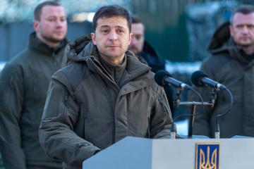 Zelensky : L'Ukraine a déjà décidé de nouvelles zones du retrait des troupes dans le Donbass