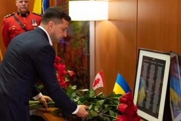 Zelensky honra la memoria de los canadienses fallecidos en el accidente aéreo en Irán