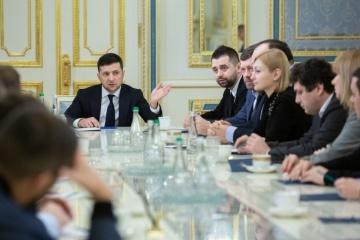 Präsident Selenskyj zieht Gesetzentwurf über Dezentralisierung zurück