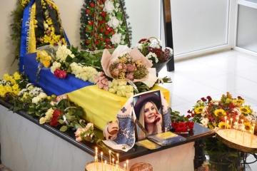 Катастрофа літака МАУ: у Франківську прощалися зі стюардесою Марією Микитюк