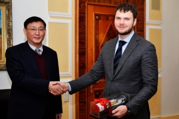 Ukrzaliznytsia empieza a cooperar con la empresa china CRCC