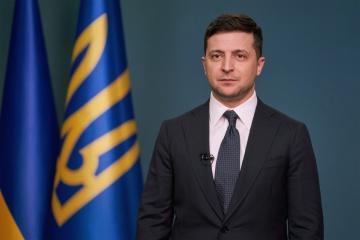 Zelensky felicita a los ucranianos por el Día de la Unidad