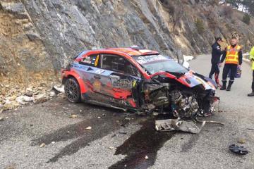 Машина действующего чемпиона WRC несколько раз перевернулась на Ралли Монте-Карло
