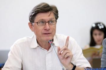 Żadna ze stron Porozumień Mińskich nie jest zainteresowana całkowitym wstrzymaniem negocjacji – politolog