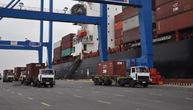 Торік морпорти України вперше за останні 10 років перевалили понад мільйон TEU контейнерів