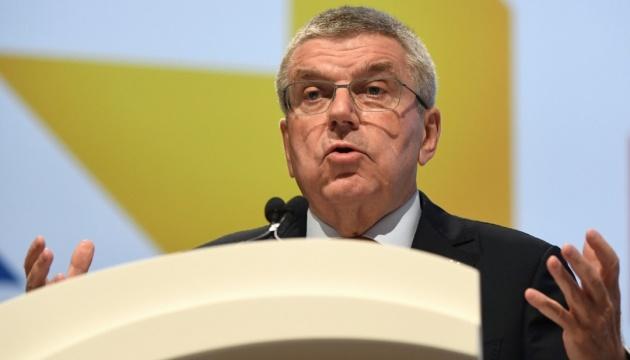 МОК каратиме спортсменів за політичні демонстрації на олімпійському подіумі