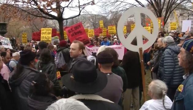 В Штатах — антивоенные протесты против эскалации отношений с Ираном