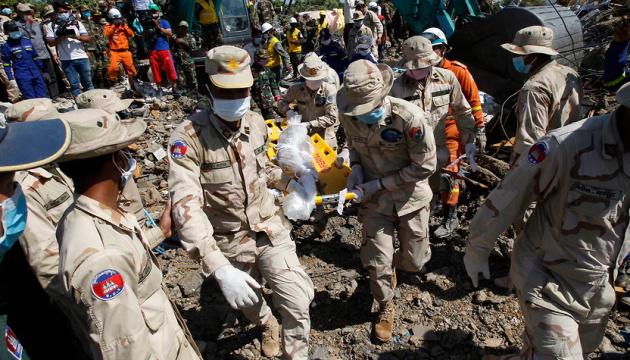 Кількість жертв обвалу будівлі у Камбоджі зросла до 36