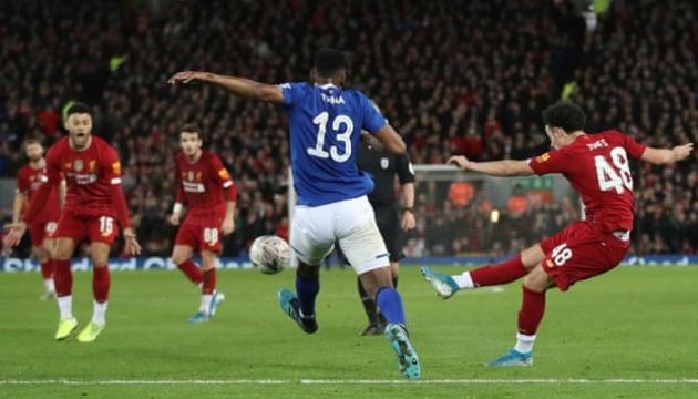 «Ливерпуль» победил в дерби и вышел в 1/16 финала Кубка Англии