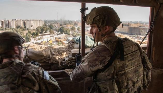 Возле американского посольства в Ираке снова упали ракеты — СМИ