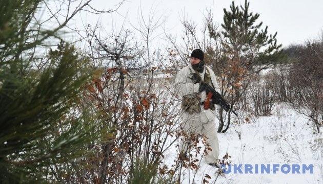 Okupanci 4 razy ostrzelali stanowiska Sił Zbrojnych Ukrainy z zabronionych moździerzy pod Orichowym i Nowotoszkiwskim