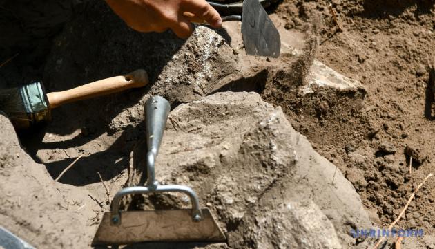 «Чорні археологи» грабують розкопки на острові Березань