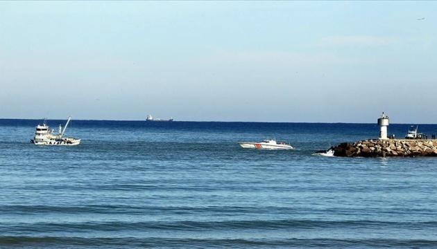 Російський танкер зіткнувся з турецьким риболовецьким судном, трьох людей шукають