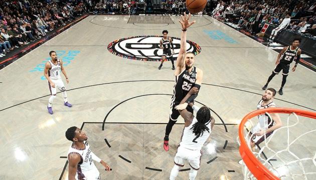 Олексій Лень набрав 10 очок у матчі НБА