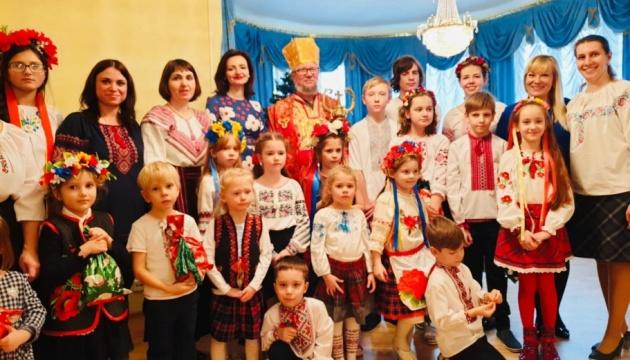 В Естонії для маленьких українців провели новорічне свято