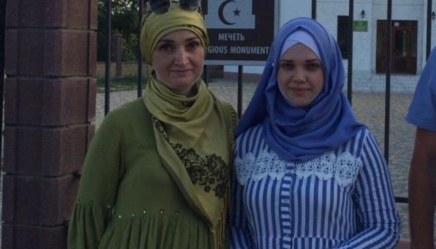 Доньку політв'язня затримали на адмінмежі з Кримом і повезли до поліції