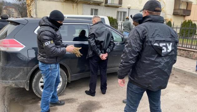Головного лісівника Львівщини викрили у хабарництві