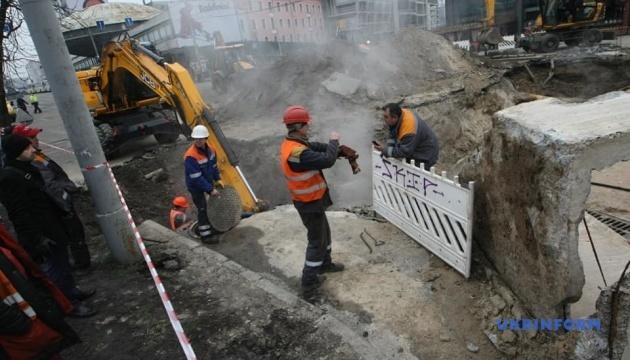 Ліквідацію пошкодження біля Оcean Plaza завершать за добу - Київтеплоенерго