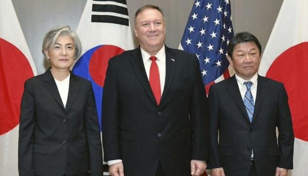 Помпео обговорив санкції проти КНДР з главами МЗС Японії і Південної Кореї