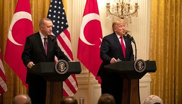 Трамп и Эрдоган договорились обмениваться опытом борьбы с коронавирусом