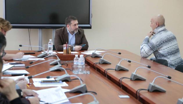 85-річний переселенець збирається провести в Сєвєродонецьку міжнародний турнір із шашок