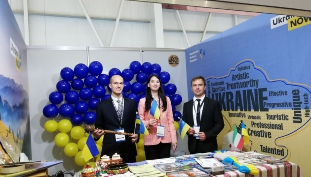 Embassy represents Ukraine at tourism exhibition within Kuwait Aviation Show