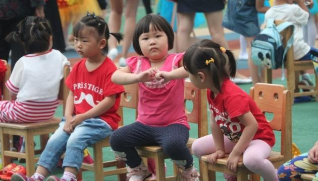Народжуваність у Китаї впала до найнижчого з 1949 року рівня