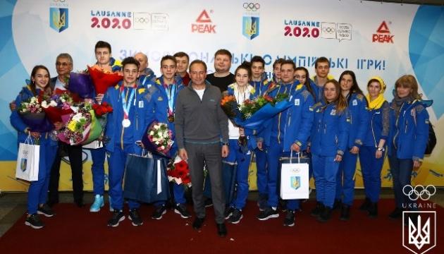 Перші олімпійські медалісти повернулися до України з Лозанни