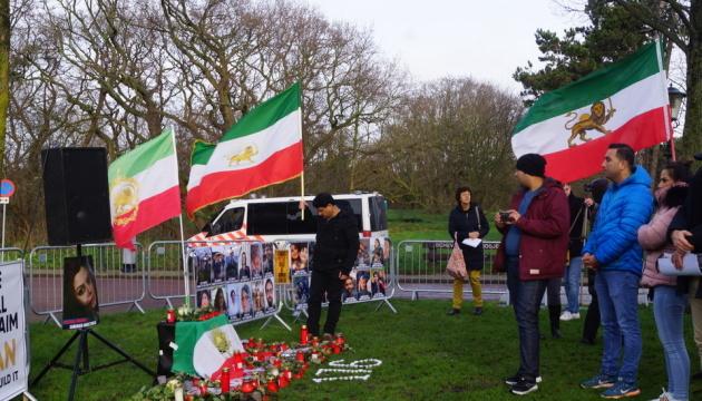 В Нидерландах иранцы устроили акцию из-за авиакатастрофы в Тегеране