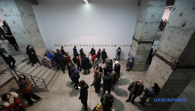 Гамлет Зіньківський показав у Харкові 365 малюнків, написаних упродовж року