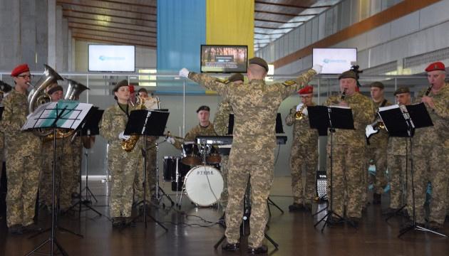 В аэропорту города Днипро состоялся концерт-реквием в память о героях обороны ДАП