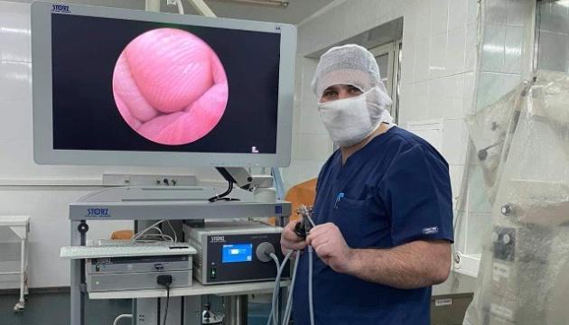В Охматдиті провели першу операцію з використанням новітнього ендоскопа